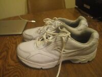 Saucony Walking Shoes Mens Size 11.5 Wide Model 4261 Omni Walkers White Dad Gift