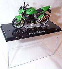 Atlas motor bike Kawasaki Z1000 1-24 Scale New in Case