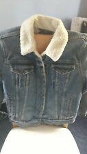 Levis jacket medium
