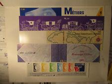5 carnets de timbres neufs et ss charniere