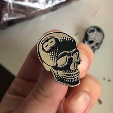 Creamlab Enamel Pin 8 Ball Skull Black Gold