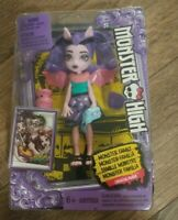 Monster High Monster Family Draculaura 5.5 inch doll. New in box.