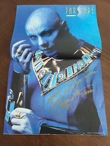 Farscape: Virginia Hey AUTOGRAPHED SIGNED CENTERFOLD MAGAZINE.  SEE PHOTOS.