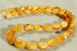 ANTIQUE AUTHENTIC NATURAL MARBLE WHITE COLOUR BALTIC AMBER NECKLACE 20 GRAMS