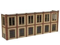 MU N-i00030 - Halbrelief gerade 2-stöckiges Mehrzweckgebäude mit Gleisanschluss
