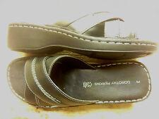 Sandals & Beach Shoes