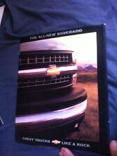 1999 Chevy Chevrolet Silverado Launch Color Brochure Catalog Prospekt
