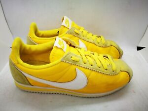 Nike yellow trainers size 6