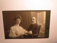 sitzendes Paar - Mann & Frau - Kulisse / 1911 CDV Ernst Wilke Goslar