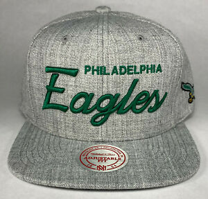 Mitchell and Ness NFL Philadelphia Eagles Team Name Snapback Hat, New