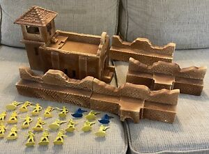 Authentic Barzso Playsets 54mm church & walls compound set w/ soldiers ! RARE !