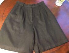 Savanna women's wool shorts size 6/ 8