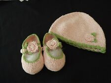 new ELEGANT BABY infant CROCHETED HAT & SHOES PINK & GREEN new in gift bag