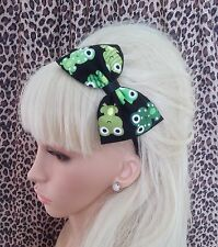 "NEW BLACK GREEN FROG RETRO PRINT COTTON FABRIC 5"" SIDE BOW ALICE HAIR HEAD BAND"
