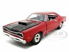 1969 DODGE CORONET SUPER BEE RED 1:24 DIECAST MODEL CAR BY MOTORMAX 73315