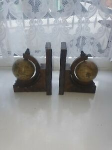 Vintage Spinning Olde World Wooden Bookends Decorative Interesting Collectable