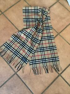 BURBERRY. CLASSIC VINTAGE CHECK SCARF -60% CASHMERE/40% LAMBSWOOL-BEIGE