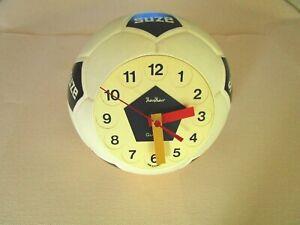 horloge ballon  de football publicitaire suze