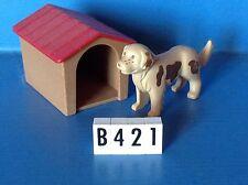 (B421) playmobil niche avec chien beige