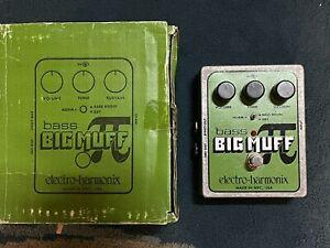 Bass Big Muff Pi - Electro-Harmonix Bass Fuzz Effects Pedal