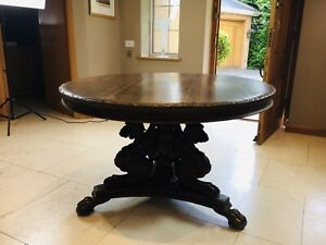 Stunning Antique French Walnut Carved Griffin Circular Dining Table c.1840
