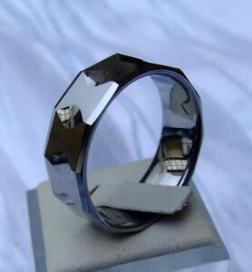 WOLFRAM/TUNGSTEN CARBIDE RING - 9 MM BREIT - FACETTEN - KRATZFEST -TITAN HART