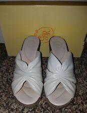 $81 NWB GABRIELLA ROCHA Womens Leather Wedge Shoes Shertzer Gray Size 8.5 (39)