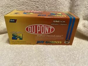 1998 Revell Dupont Chromalusion #24 Jeff Gordon 1:43 Scale Diecast Car Boxed