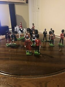 W Britain 1990 Lot of 12 Army Figures Never Exposed To Sunlight!