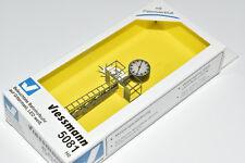 Viessmann H0 5081 Uhr / Gittermast- Bahnsteiguhr mit LED- Beleuchtung NEU & OVP