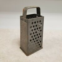 Vintage 119 Bromwell Cheese grater Box with handle farmhouse decor