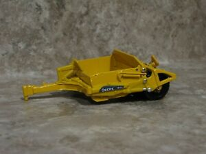 Ertl 1/64 John Deere 1812c Dirt Scraper Farm Toy Construction