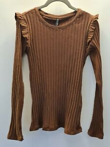 Stunning Pieces Brown Top With Ruffle Shoulder ~ NWT ~ Large ~ Current Season