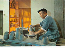 DIEULEFIT poterie des grottes tourneur au travail poterie potier