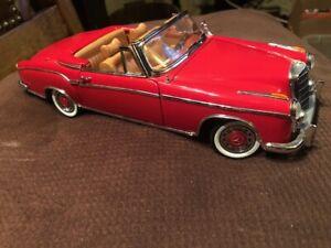 1/18 Sun Star 1958 Mercedes Benz 220SE - Red
