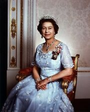 Her Majesty Queen-Elizabeth II  Color 8 X 10 Photo Picture Free Shipping