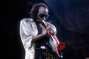 """🎼 Jazz legend MILES DAVIS 16x20""""  Photo -  Trumpet"""