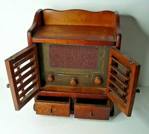 """Vintage 1956 Guild """"The Spice Chest"""" Tube Radio AM Model 484 Tested Working"""