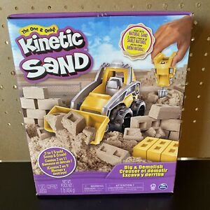 NEW-Kinetic Sand, Dig & Demolish Truck Playset with 1lb , for Kids Aged 3 and up