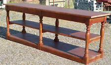 Table de drapier en bois teinté merisier