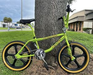 BMX GT Freestyle MID SCHOOL / Old School Look | BMX BIKE Custom Shocker Yellow