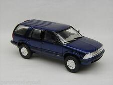 1995 Chevrolet Blazer Blue Metallic 1/25 Amt-Ertl #7031Eo Promotional Replica