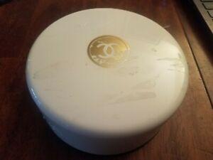 """Chanel """"No 5"""" Dusting Bath Powder (8 oz)"""