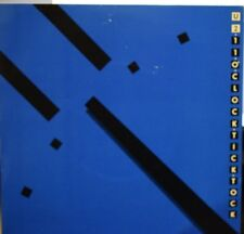 "U2 - 11 o'clock tick tock  7"" ** white CBS logo pressing** , black vinyl"