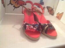 Beautiful Ladies Flowery Wedge Sandals Size 8 New Shop Clearance