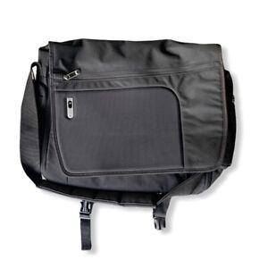 JANSPORT Black Messenger Bag Laptop Notebook Sleeve NWT New Large