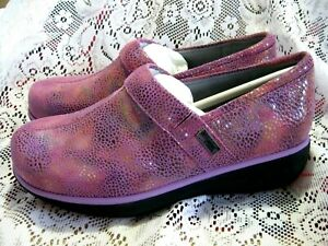 GREY'S ANATOMY SOFTWALK MEREDITH CLOGS PROFESSIONAL SHOES SZ 6M NEW (PINK)