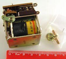 Omron tipo MM2 marco abierto Power Relay 230V Bobina OM0355A