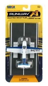 Daron Worldwide Trading Runway24 Beechcraft Bonanza Vehicle