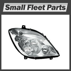 Headlight  Assembly Right Bi-Xenon Dodge MB Freightliner Sprinter: 906 820 20 61